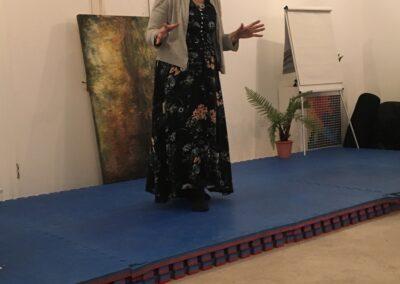 Rosanne explaining lucid dreaming